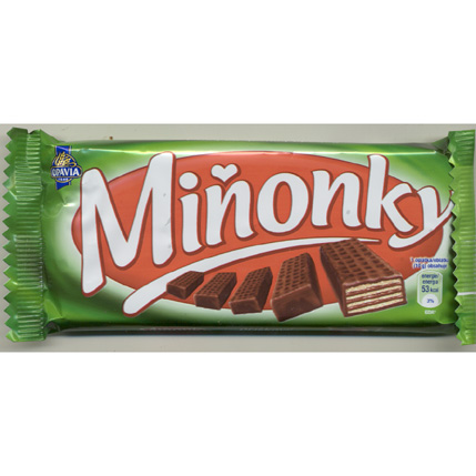 Minonky - wafers  in  milk  chocolate with hazelnuts